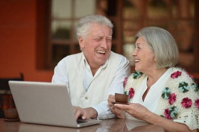 Facebook đang dần trở thành mạng xã hội cho người lớn tuổi - ảnh 1