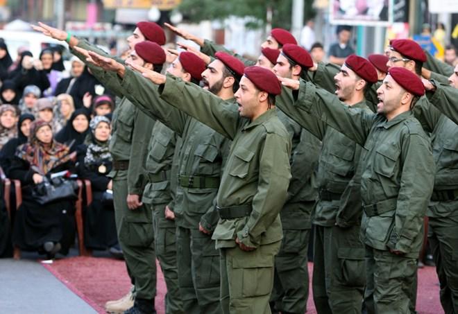 Các thành viên Hezbollah trong một cuộc diễu binh tại Beirut năm 2009. (Ảnh: AFP/Getty Images)