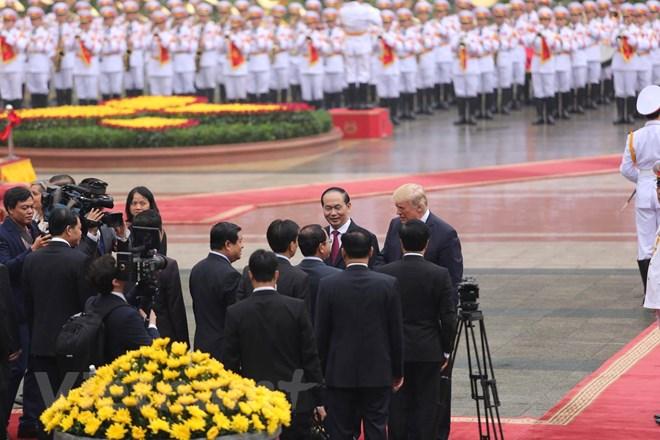 Trong lời đáp tại Quốc yến, Tổng thống Hoa Kỳ Donald Trump bày tỏ vinh dự đến thăm Việt Nam vào thời điểm quan hệ Đối tác toàn diện Hoa Kỳ-Việt Nam đang có những bước tiến tích cực chưa từng có. (Ảnh: Minh Sơn/Vietnam+)