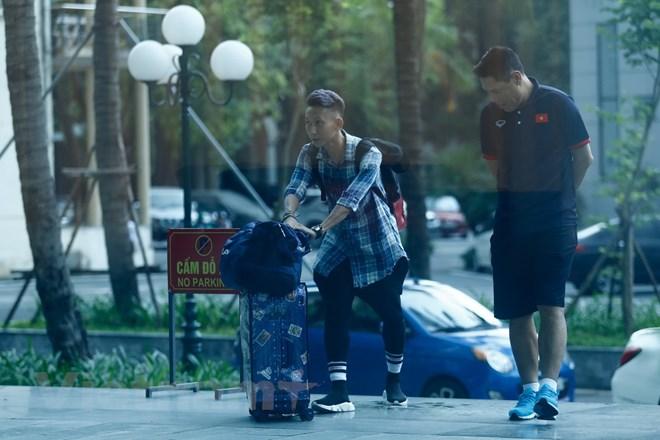 Tiền vệ Nghiêm Xuân Tú của Than Quảng Ninh lên tuyển với bộ trang phục như một ngôi sao ca nhạc. Vợ anh vốn là một ca sỹ có tiếng trong showbiz. (Ảnh: Thùy Minh/Vietnam+)