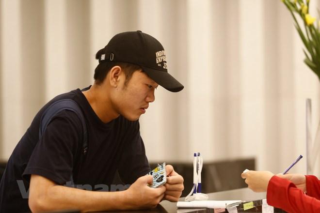 Xuân Trường có mặt lúc hơn 11 giờ. Tiền vệ của Gangwon FC đang trải qua những ngày tháng khó khăn trong sự nghiệp tại Hàn Quốc. (Ảnh: Thùy Minh/Vietnam+)