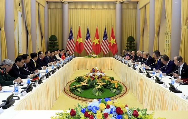 Chủ tịch nước Trần Đại Quang và Tổng thống Hoa Kỳ Donald Trump hội đàm. (Ảnh: Nhan Sáng/TTXVN)