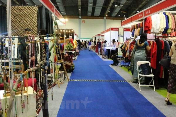 Việt Nam tham dự hội chợ từ thiện quốc tế tại Indonesia - ảnh 3