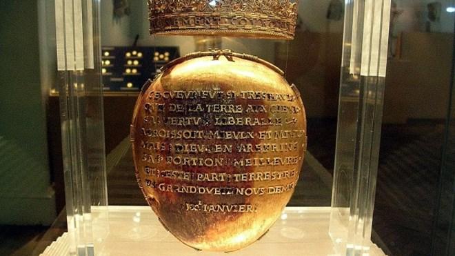 Thánh tích chứa trái tim của hoàng hậu từ thế kỷ 16 bị đánh cắp - ảnh 1