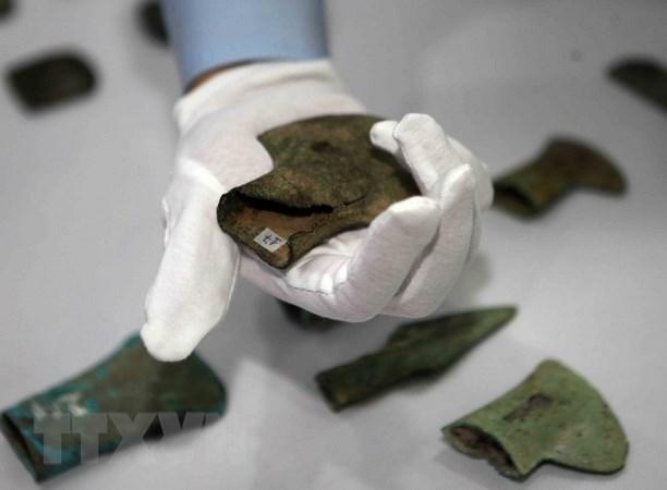 Các hiện vật được Đại sứ quán Việt Nam tại Cộng hòa Liên bang Đức bàn giao cho Bảo tàng Lịch sử quốc gia. (Ảnh: Thanh Tùng/TTXVN)