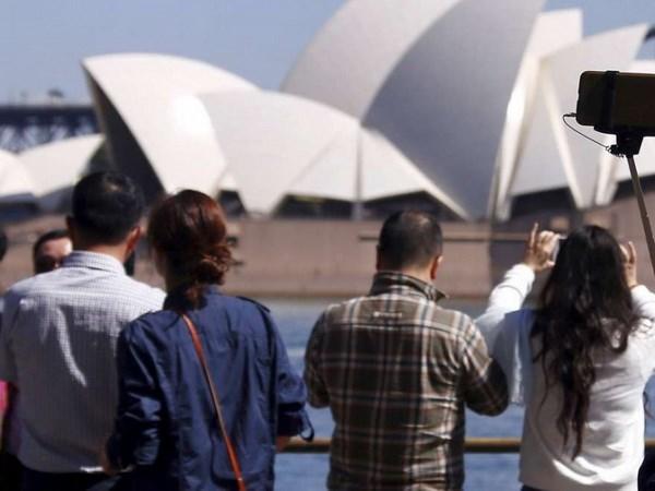 Kết quả hình ảnh cho khách du lịch trung quốc ở úc