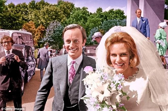 Hé lộ mối quan hệ mẹ chồng-nàng dâu sau cánh cổng của Hoàng gia Anh - ảnh 3
