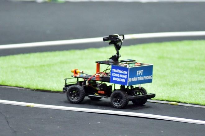 Sinh viên Đại học Công nghệ dành quán quân lập trình xe tự hành - ảnh 1