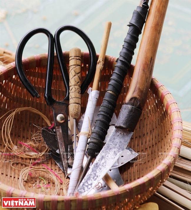Các dụng cụ để đan lát của người Churu.
