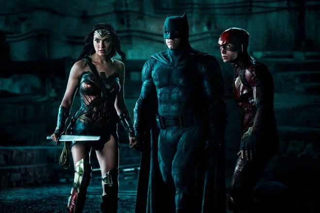 Giới phê bình hết lời khen bom tấn 300 triệu USD Justice League - ảnh 1
