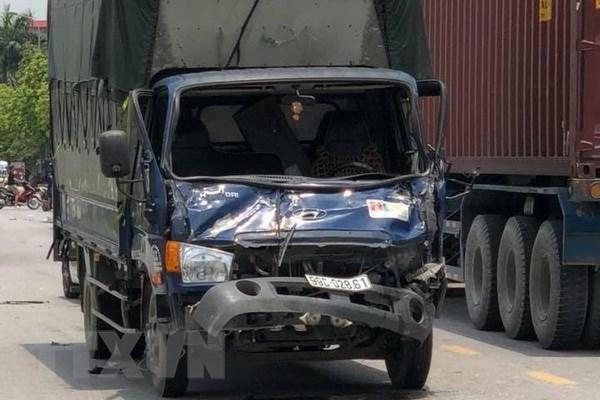 Bắc Ninh: Xe tải tông trực diện xe máy khiến 3 người thương vong
