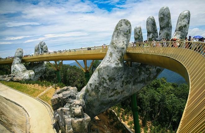 Ấn Độ muốn xây những cây cầu biểu tượng như Cầu Vàng ở Việt Nam - ảnh 1