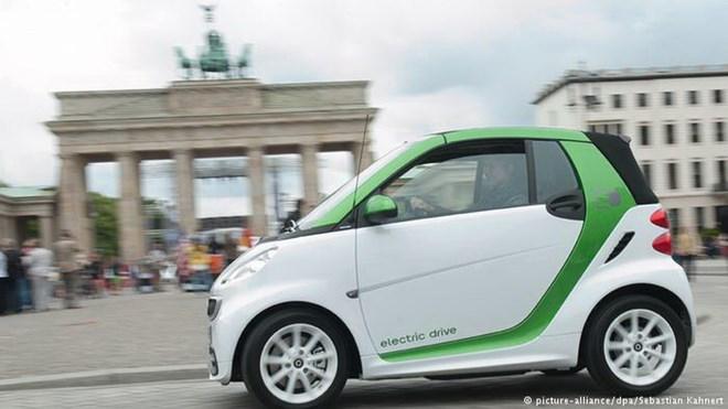 Đức đứng đầu thế giới về đầu tư phát triển xe chạy bằng điện