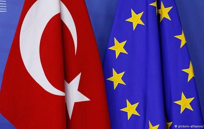 Vấn đề người di cư: EU giải ngân thêm 3 tỷ euro cho Thổ Nhĩ Kỳ - ảnh 1