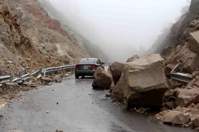 Lai Châu: Cảnh báo nguy cơ sạt lở, đá rơi ở huyện vùng cao Sìn Hồ - ảnh 2