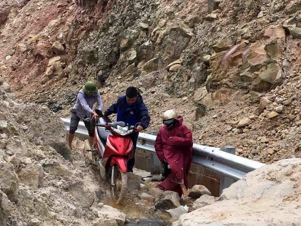 Lai Châu: Cảnh báo nguy cơ sạt lở, đá rơi ở huyện vùng cao Sìn Hồ - ảnh 1