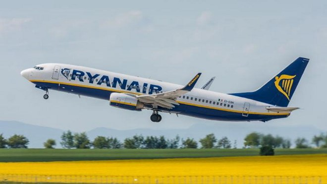 Máy bay của hãng hàng không Ryanair hạ cánh khẩn cấp xuống Đức