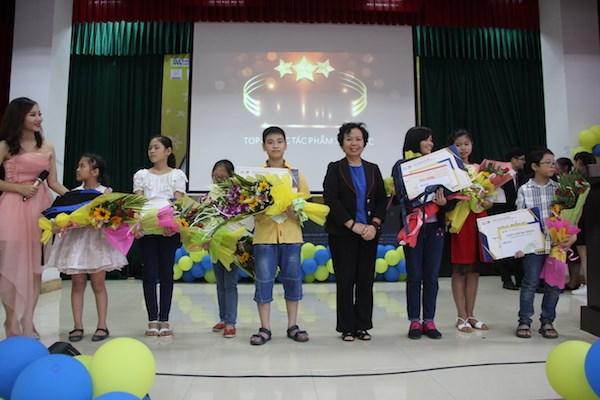 Cậu bé khiếm thính giành giải đặc biệt cuộc thi vẽ 'Cảm xúc trong em' - ảnh 2