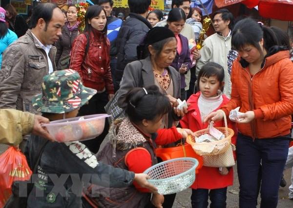 Kiểm soát chặt chẽ hiện tượng người ăn xin đeo bám gây bức xúc cho du khách