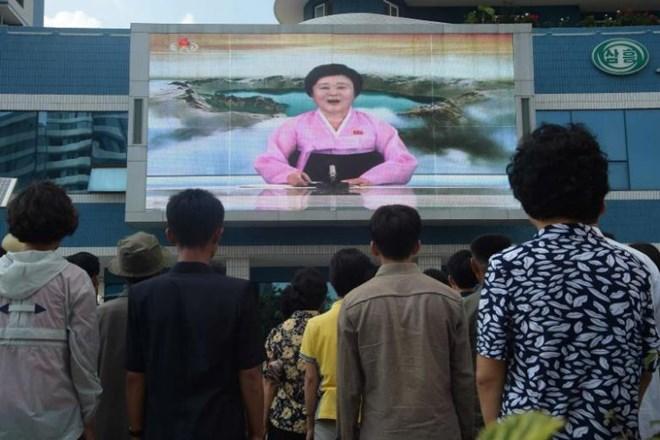 Trực tiếp cuộc gặp gỡ lịch sử giữa hai ông Donald Trump và Kim Jong un - ảnh 6