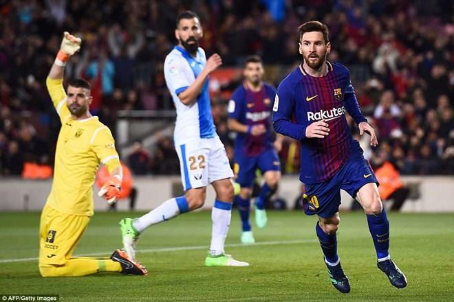 Messi lập hat-trick giúp Barca có chuỗi 38 trận bất bại (Nguồn: DM)