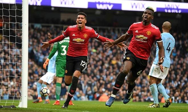 Paul Pogba và Smalling phá hỏng bữa tiệc của Manchester City (Nguồn: Guarrdian)