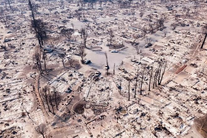 California điêu đứng vì bão lửa, số người thiệt mạng tiếp tục tăng - ảnh 1
