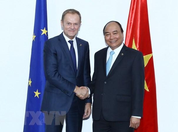 Thủ tướng Chính phủ Nguyễn Xuân Phúc gặp Chủ tịch Hội đồng Châu Âu Donald Tusk. (Ảnh: Thống Nhất/TTXVN)