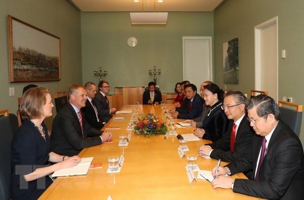 Quang cảnh buổi hội đàm giữa Chủ tịch Quốc hội Nguyễn Thị Kim Ngân với Chủ tịch Thượng viện Australia Scott Ryan và Chủ tịch Hạ viện Australia Tony Smith. (Ảnh: Trọng Đức/TTXVN)