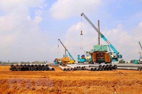 Công trường xây dựng Nhà máy Hanwha Aero Engines tại Khu Công nghệ cao Hòa lạc. (Ảnh: Minh Quyết/TTXVN)