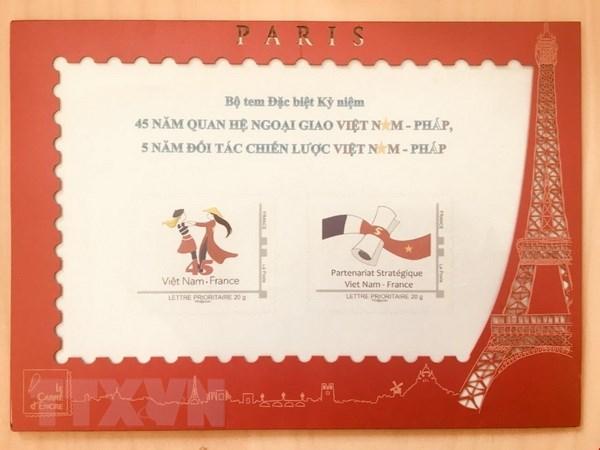 Phát hành bộ tem đặc biệt kỷ niệm quan hệ giữa Việt Nam và Pháp