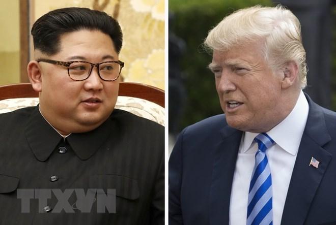 Tổng thống Mỹ Donald Trump (phải) và nhà lãnh đạo Triều Tiên Kim Jong-un. Nguồn: EPA-EFE/TTXVN