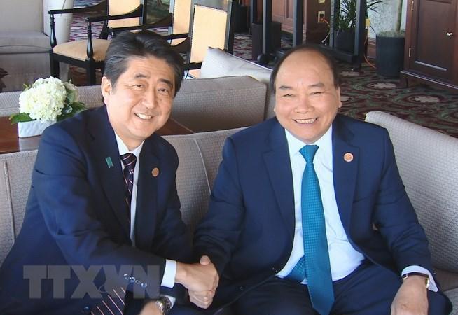 Trong chương trình tham dự Hội nghị Thượng đỉnh Nhóm các nước công nghiệp phát triển hàng đầu thế giới (G7) mở rộng và thăm Canada, chiều 9/6/2018 (theo giờ địa phương, tức ngày 10/6 giờ Hà Nội), tại Thành phố Charlevoix, Canada, Thủ tướng Nguyễn Xuân Phúc gặp Thủ tướng Nhật Bản Shinzo Abe. (Nguồn: TTXVN)