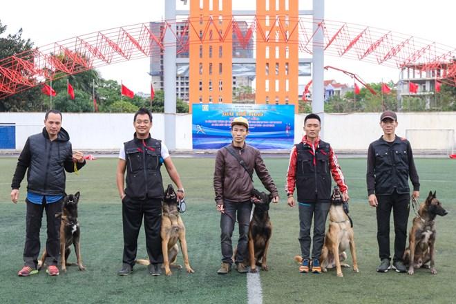 Thót tim với những màn thao diễn của chó Béc Bỉ ngàn đô - ảnh 26