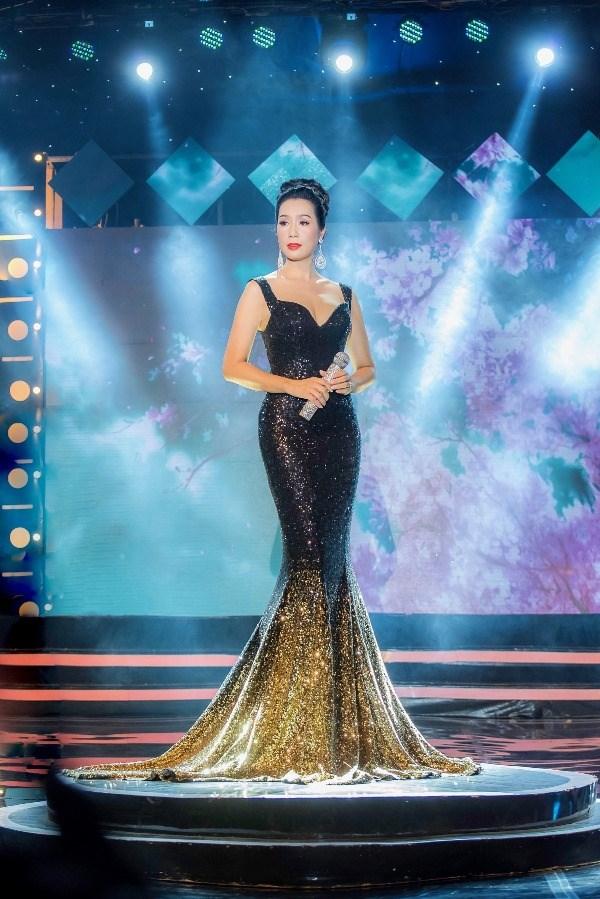 Diễn viên Trịnh Kim Chi bất ngời lấn sân hát Bolero đầy mượt mà - ảnh 2