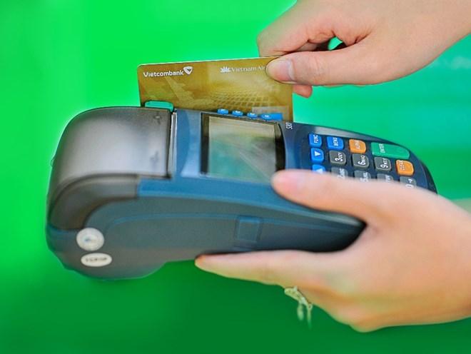 Thẻ tín dụng sẽ chỉ được rút tối đa 5 triệu đồng mỗi ngày - ảnh 1